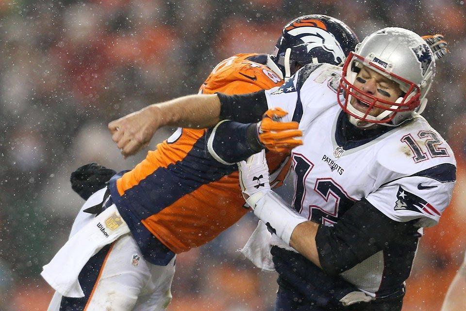 Second half photos vs. New England Broncos rally to