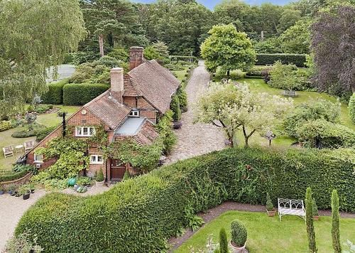 Longer End Cottage Surrey English Country Cottages Buying Property Country Cottage