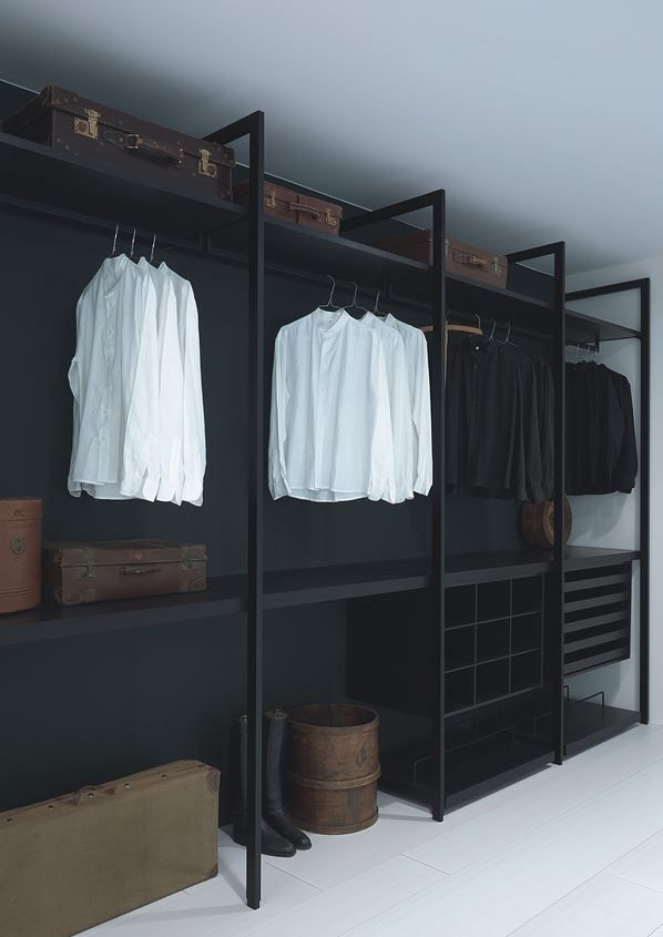 Black Walk In Closet   Porrou0027s Modular Closet Designed By Piero Lissoni.