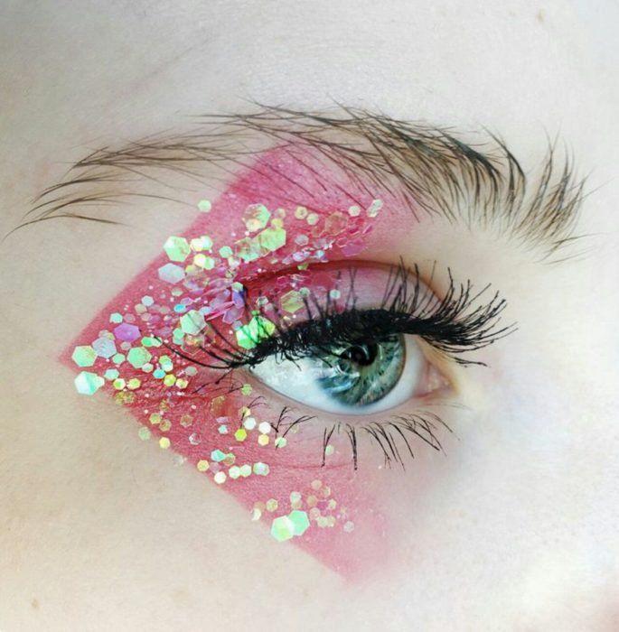 Photo of 15 Maquillajes inspirados en el espacio para ser la estrella de la fiesta