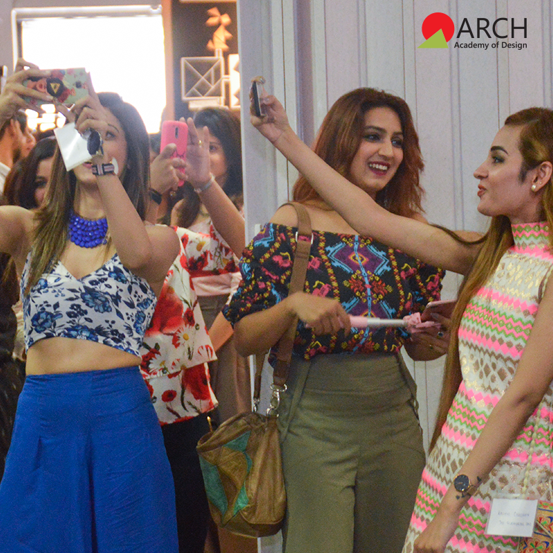 The Bloggers Showed Up In Their Best Attires Taking Selfies At The Event College Design Fashion Design Design