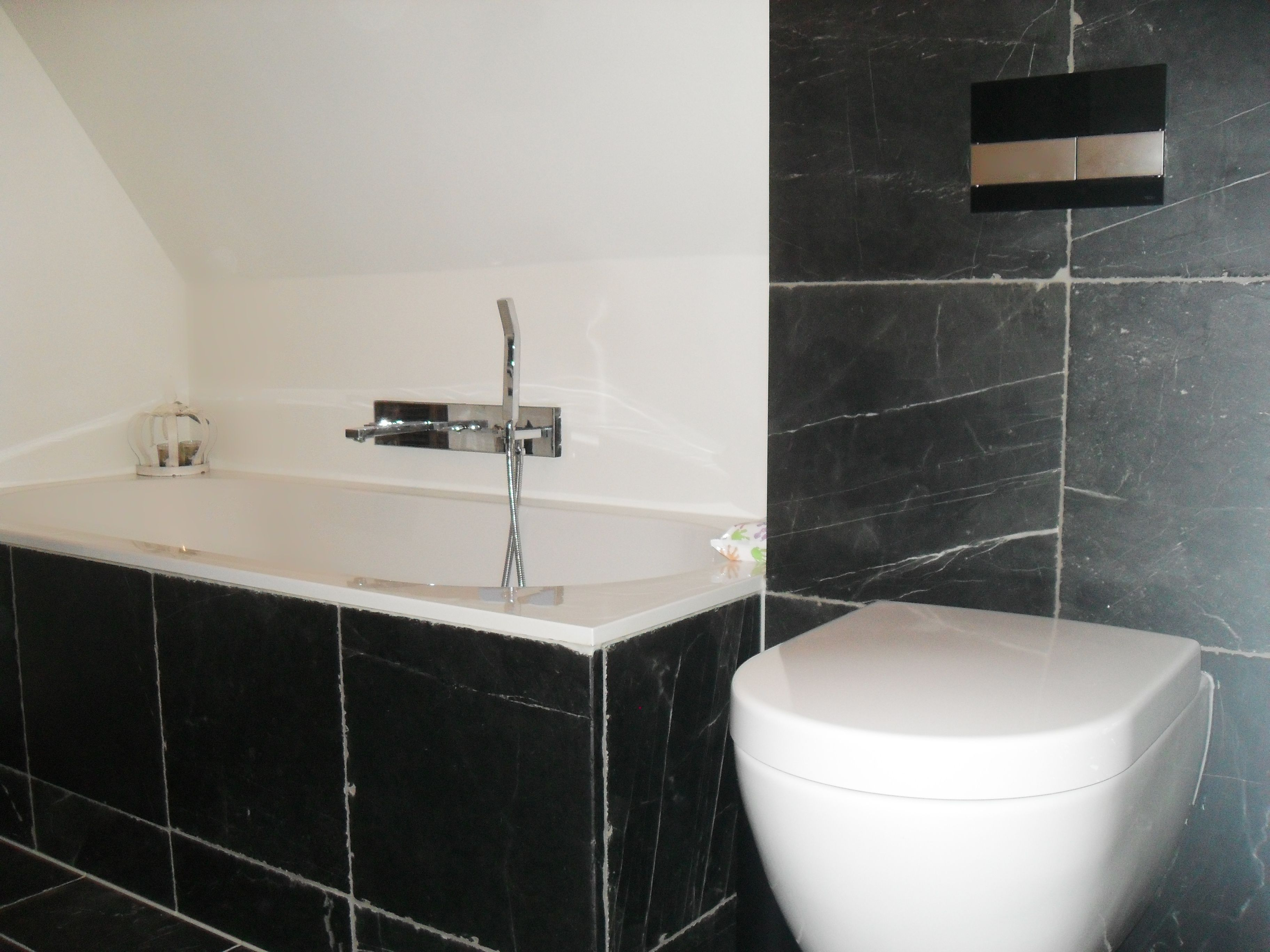 badkamer in verouderd hardsteen te almelo badkamers made by