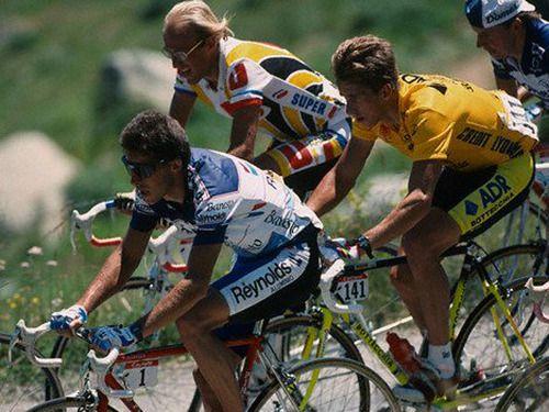 Pedro Delgado, Laurent Fignon, Greg Lemond (Tour 1989)  (Source: beautenebreux)
