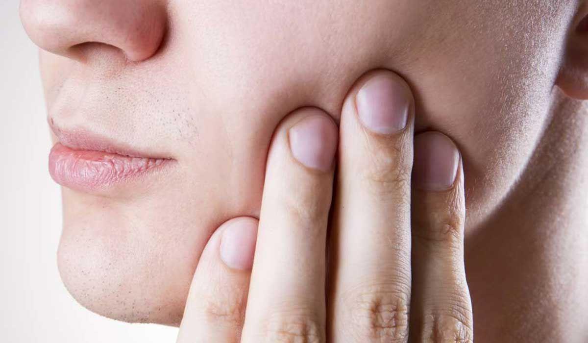 أعراض التهاب ضرس العقل بعد الخلع Dental Implants Cost Emergency Dentist Periodontitis