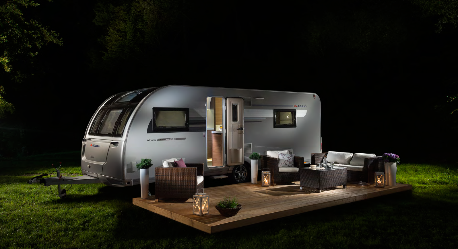 The New Adria Alpina Adopts Adria S Stylish And Modern I Shaped Exterior Design Exclusive To The Uk There Is A Stunning Ne Caravans For Sale Alpina Caravans