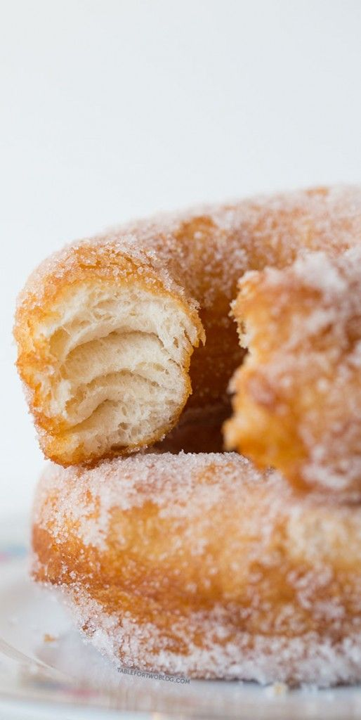 Sugared donuts with Pillsbury biscuit dough - SO light and crispy!