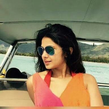 Pin by Nandini on Jennifer winget (With images) | Mirrored ...