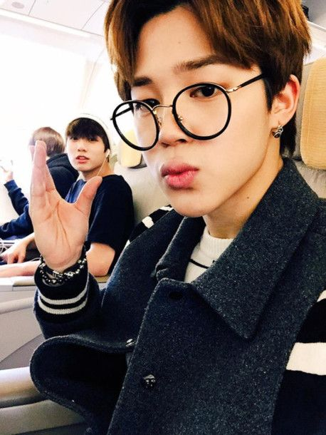 12 Idols Who Pulled Off Round Glasses Effortlessly Jikook Jimin Bts Jimin