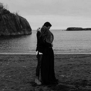 رمزيات احضان حب صور رمزيات احضان للواتساب وانستقرام Photo Hugs And Cuddles Cant Help Falling In Love