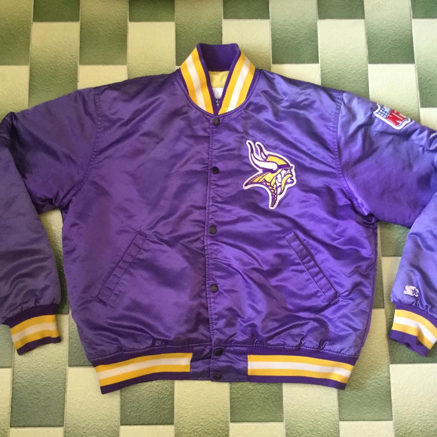 Vintage Starter Minnesota Vikings Jacket Size L Made In Usa Armpit To Armpit 25 Length 25 Dm Or Click The Link In My Bio For More Detail Picture [ 1440 x 1440 Pixel ]
