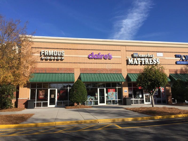 Strip Mall Stores Row Of Stores In Summerville South Carolina Aff Stores Mall Strip Row Carolina Ad Strip Mall Mall Stores Summerville