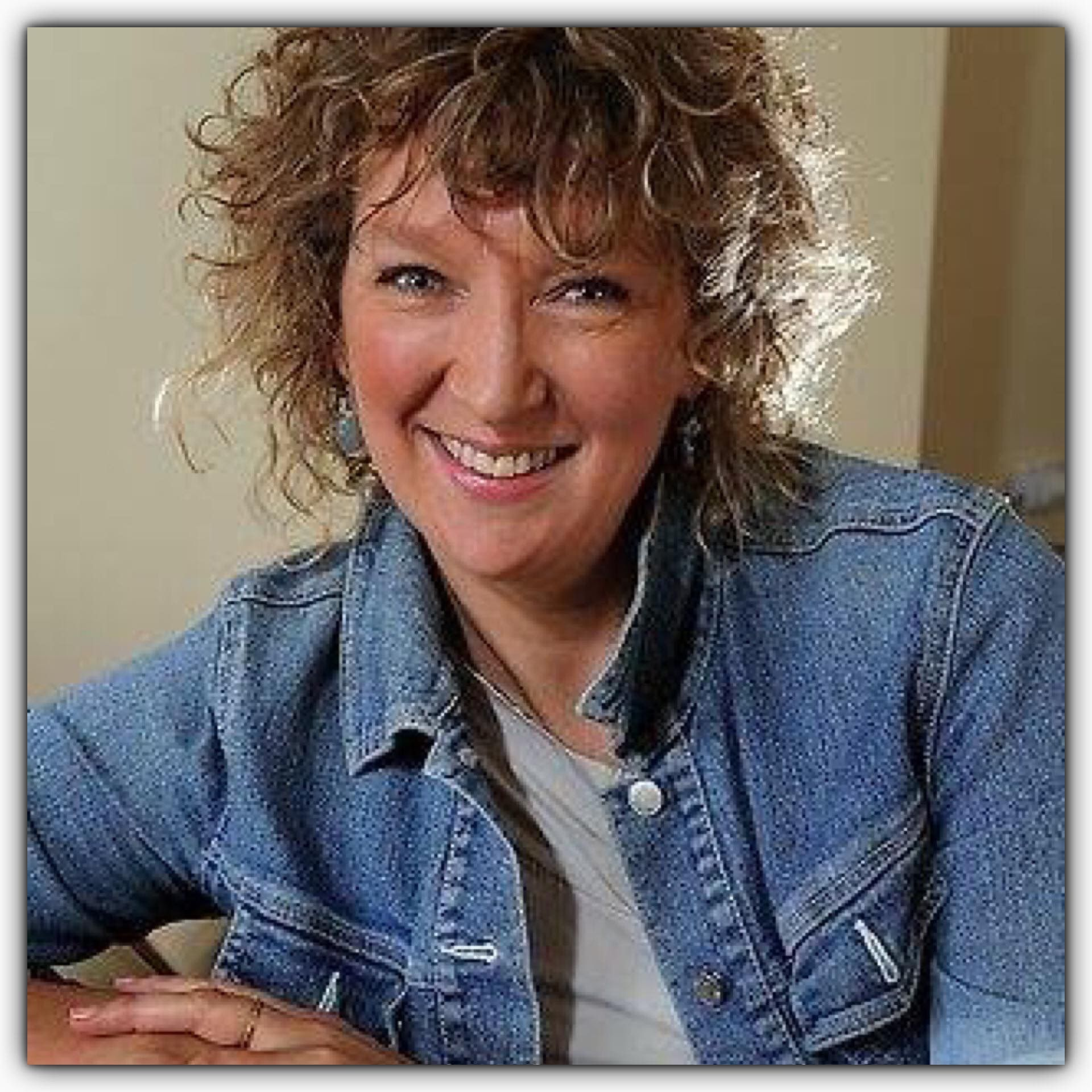 Watch Glenda Linscott video