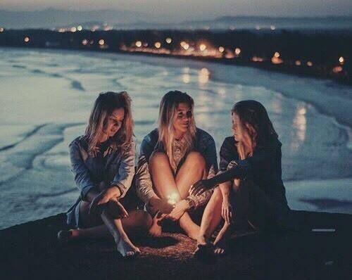 Das geht an die Freunde,die uns verteidigen,wenn wir nicht anwesend sind.* Ich danke dir für deine Treue.Danke,dass du meine Stimme bist,wenn ich nic…