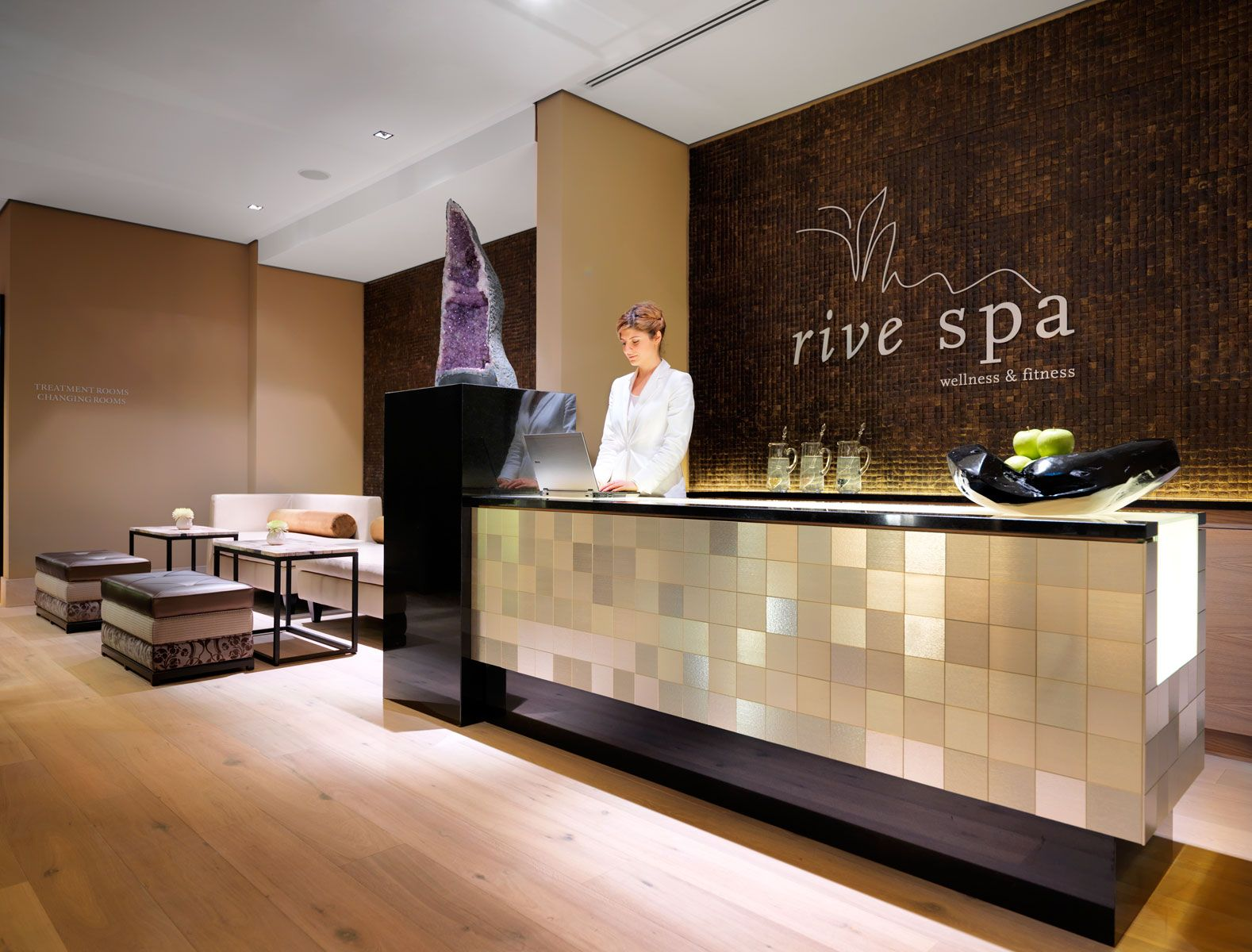 Spa reception piastrelle alluminio alulife spa reception
