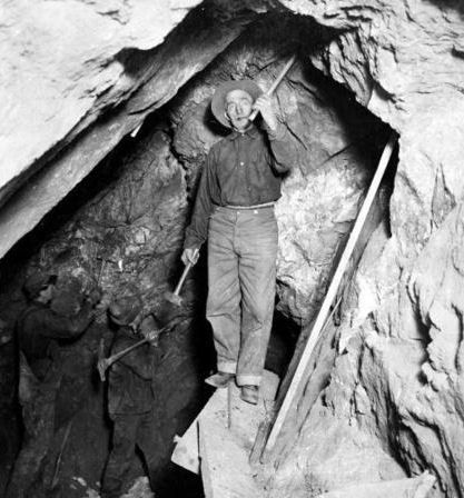 Old-Miner-Photos     Hardrock mining