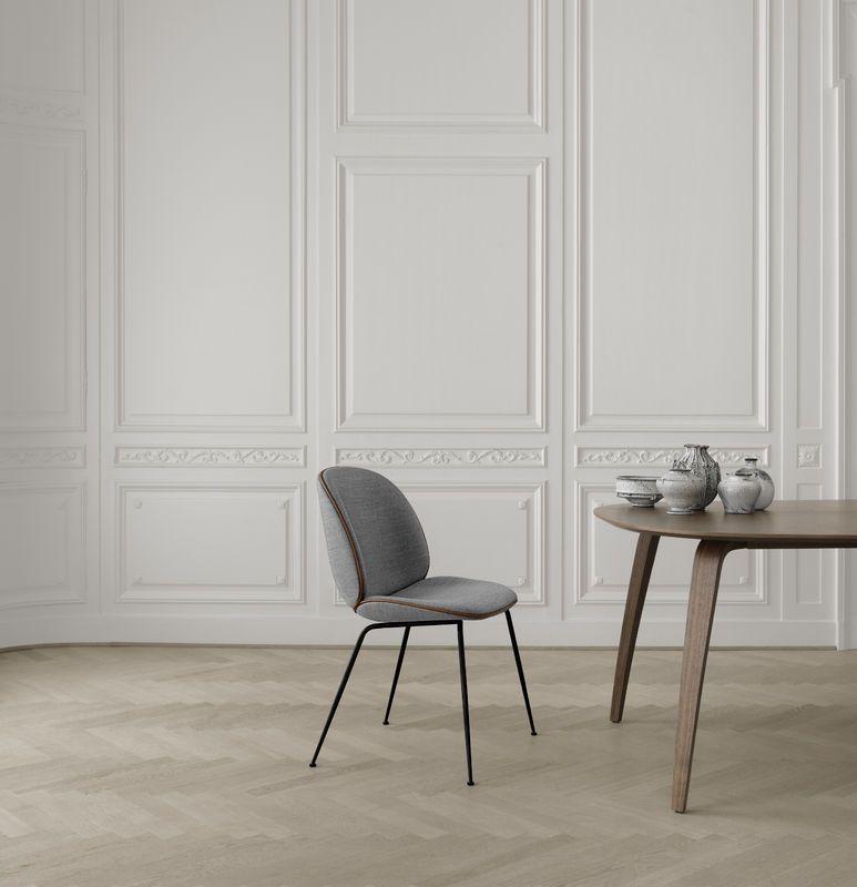 Gubi Beetle Chair And Gubi Dining Table Interieur Klassiek Interieur Design