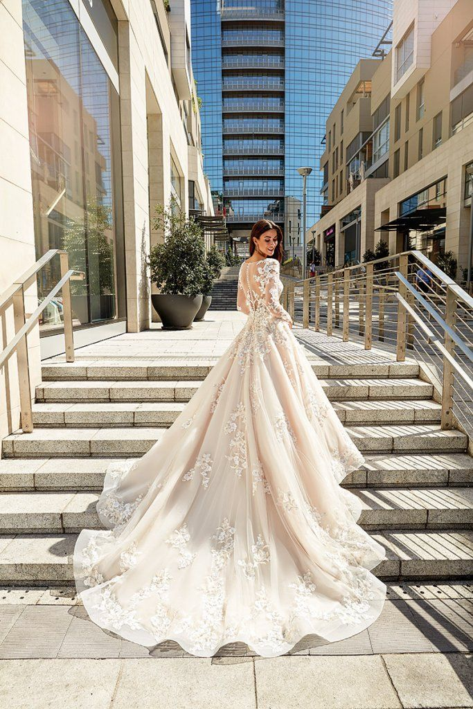 Our Top Trend Predictions For Meghan Markle\'s Wedding Dress ...