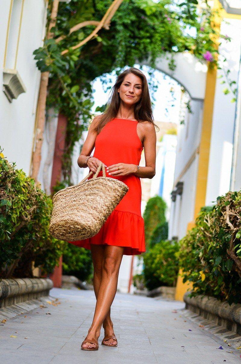Summer Casual :: Ein rotes Sommerkleid & Korbtasche | Rotes