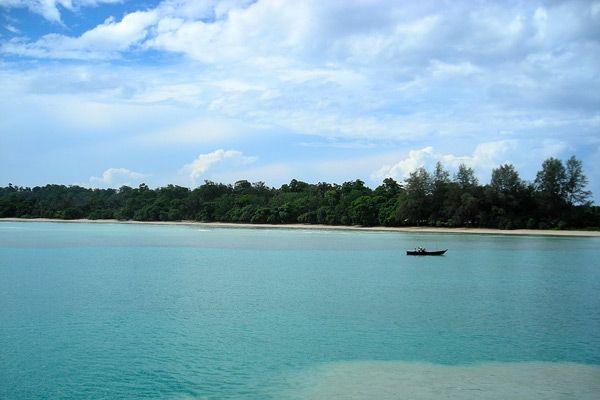 Best Honeymoon Destinations To Visit Between October And December Best Honeymoon Destinations Andaman Nicobar Islands Honeymoon Destinations