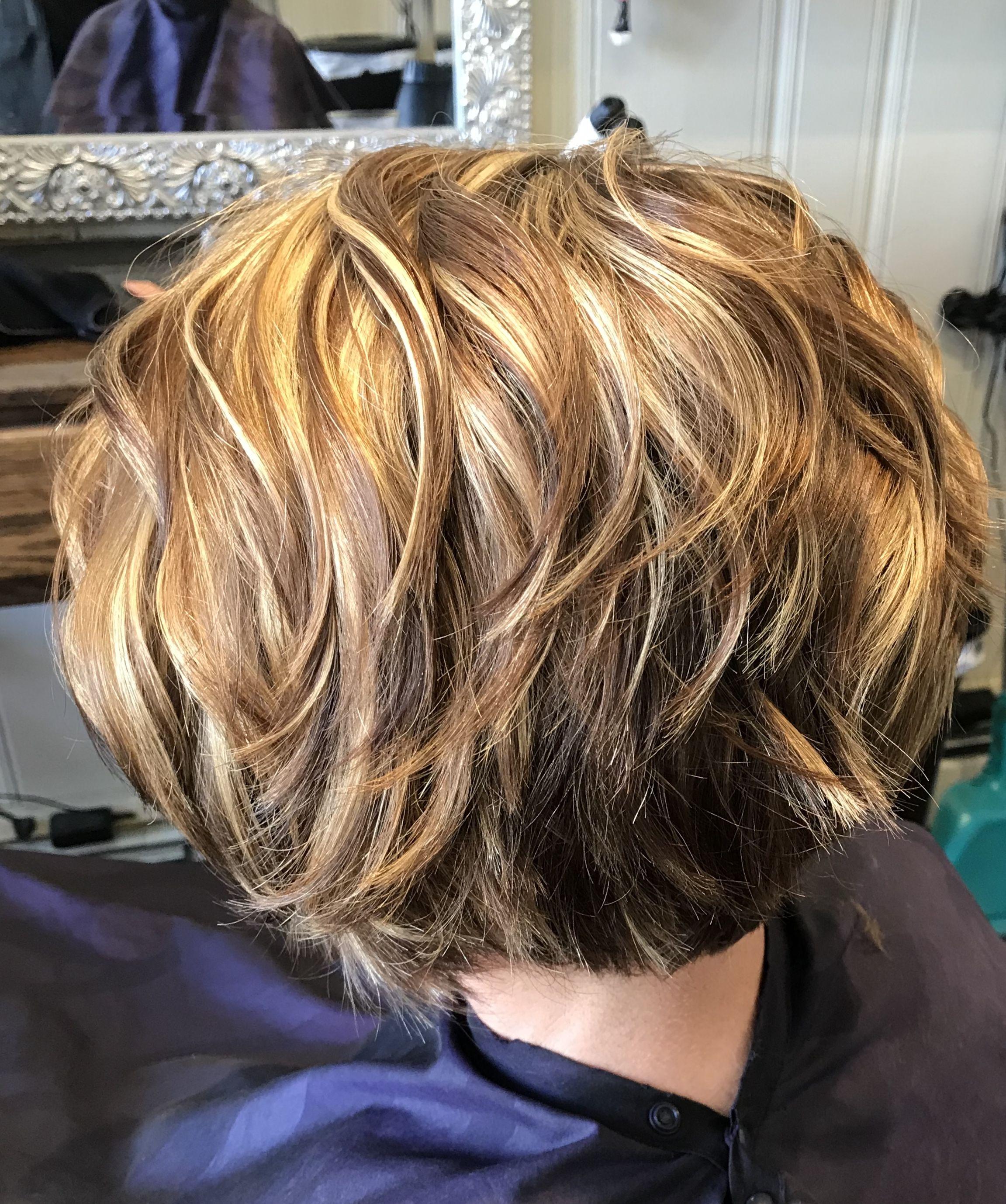 Blonde And Caramel Highlights On A Short Choppy Bob Haircut Choppy Bob Haircuts Easy Dinner Recipes Easy Beef