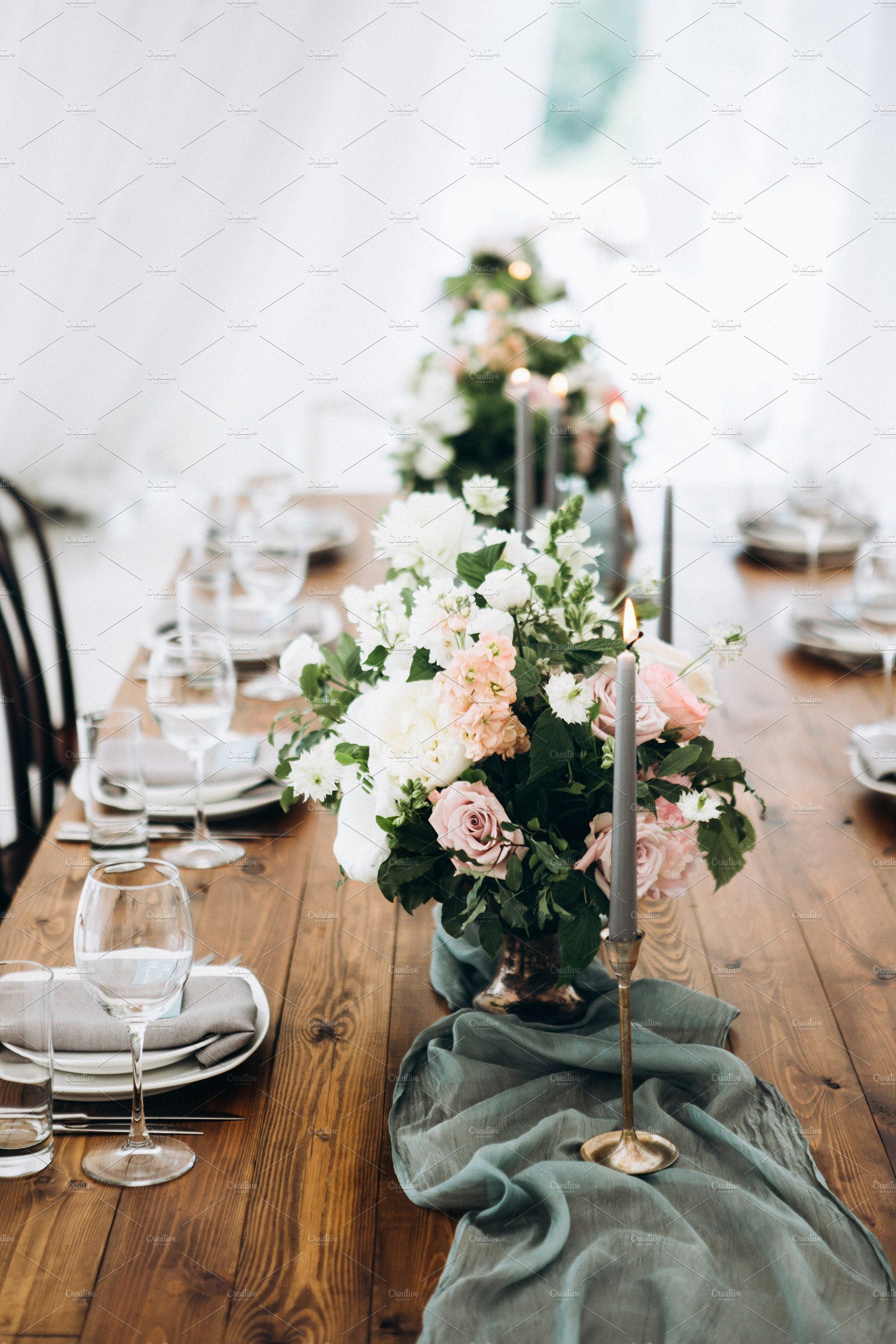 Rustic wedding table setting (With images) | Rustic wedding table ...