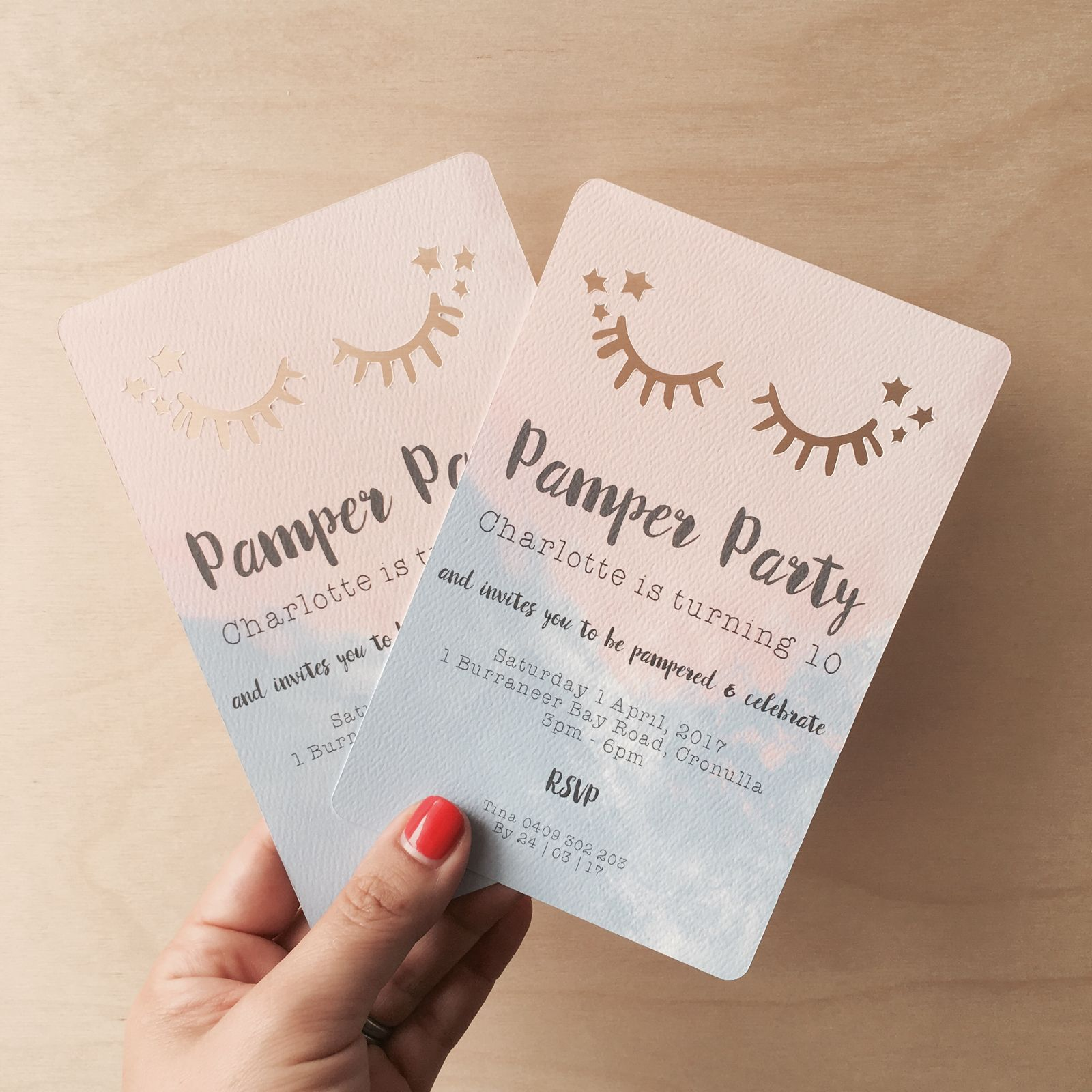 SPARKLE EYES cut out party invitation / Piccolo Studio