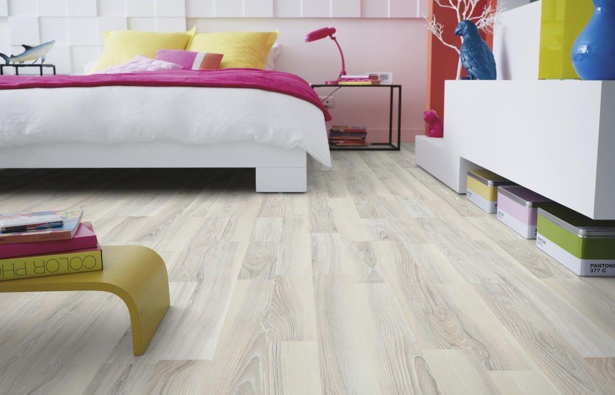 5 astuces pour un entretien de sol stratifi impeccable rev tement de sol pinterest. Black Bedroom Furniture Sets. Home Design Ideas