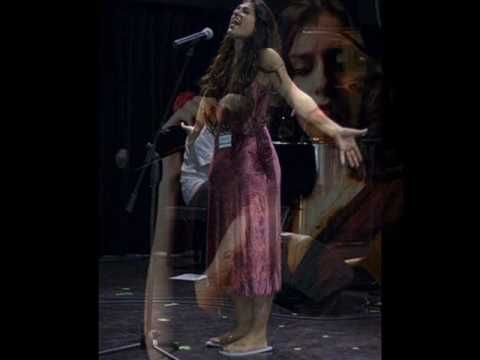 ▶ 'Be'enaim tsohakot' - Mor Karbasi - YouTube
