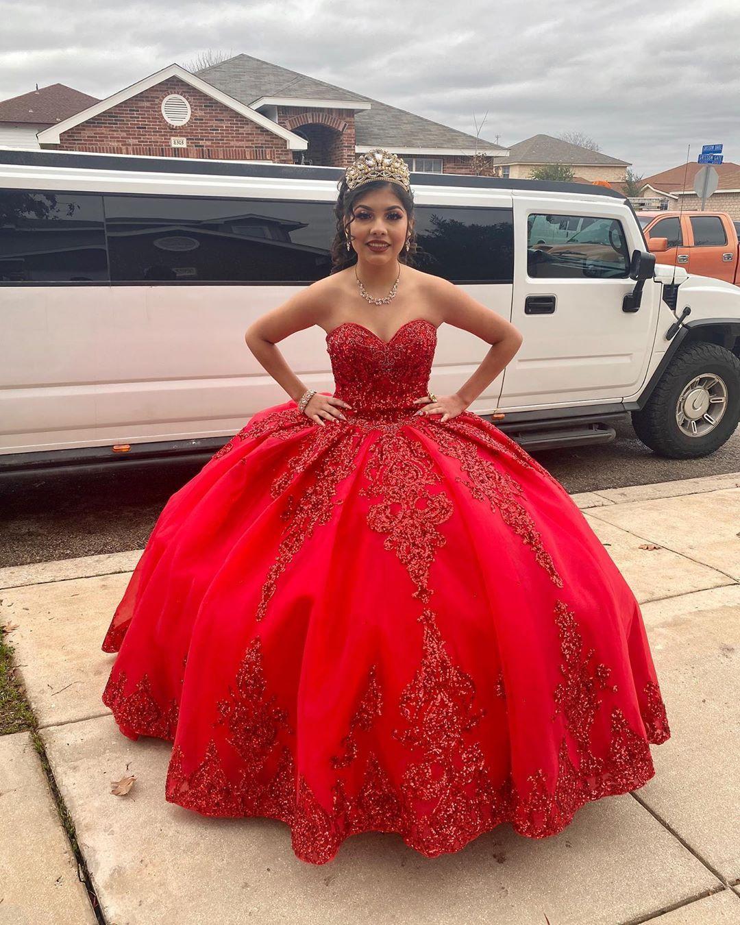 Ricarlo The Suite Xv On Instagram Portando Su Primer Vestido Asi Luce Nuestra Hermosa Quinceane Quince Dresses 15 Dresses Quinceanera Quinceanera Dresses [ 1350 x 1080 Pixel ]