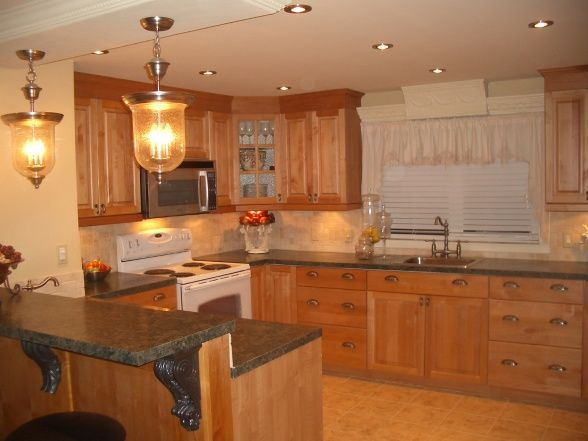 Extreme single wide home remodel single wide kitchens for Mobile home kitchens pictures