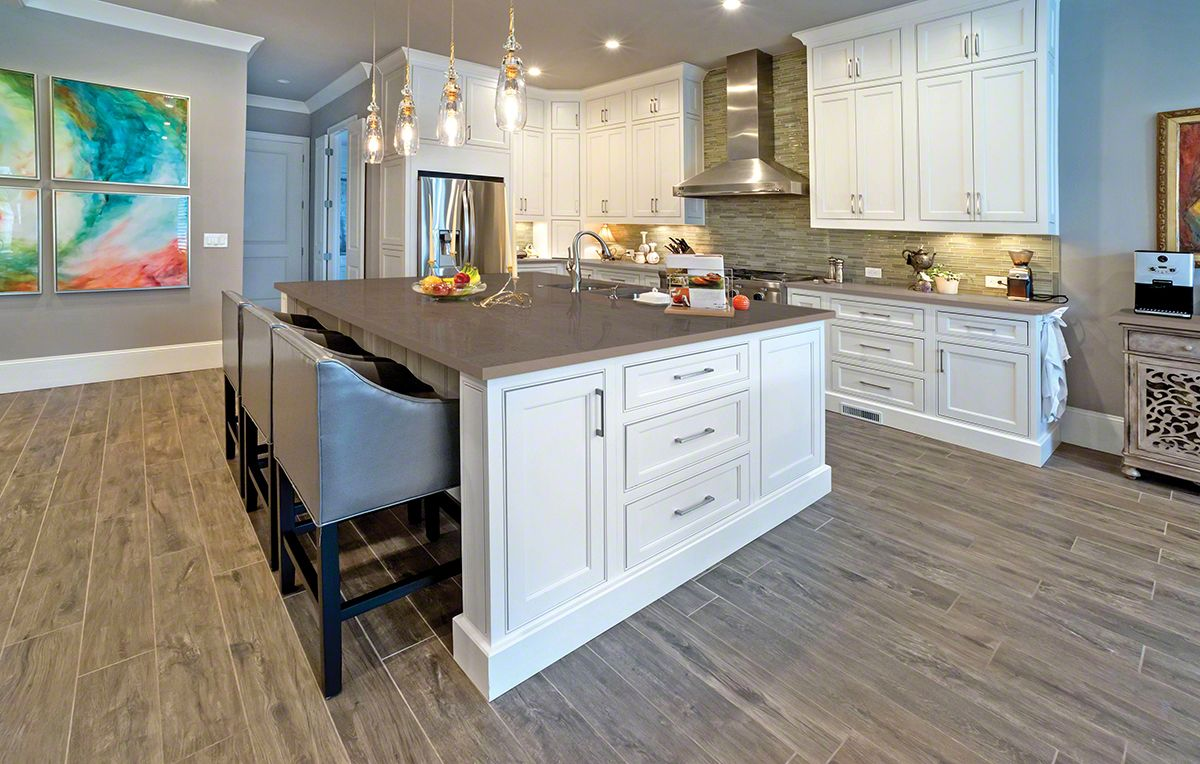 Best Gray Quartz With White Cabinets Artwork Splash Of Color 640 x 480