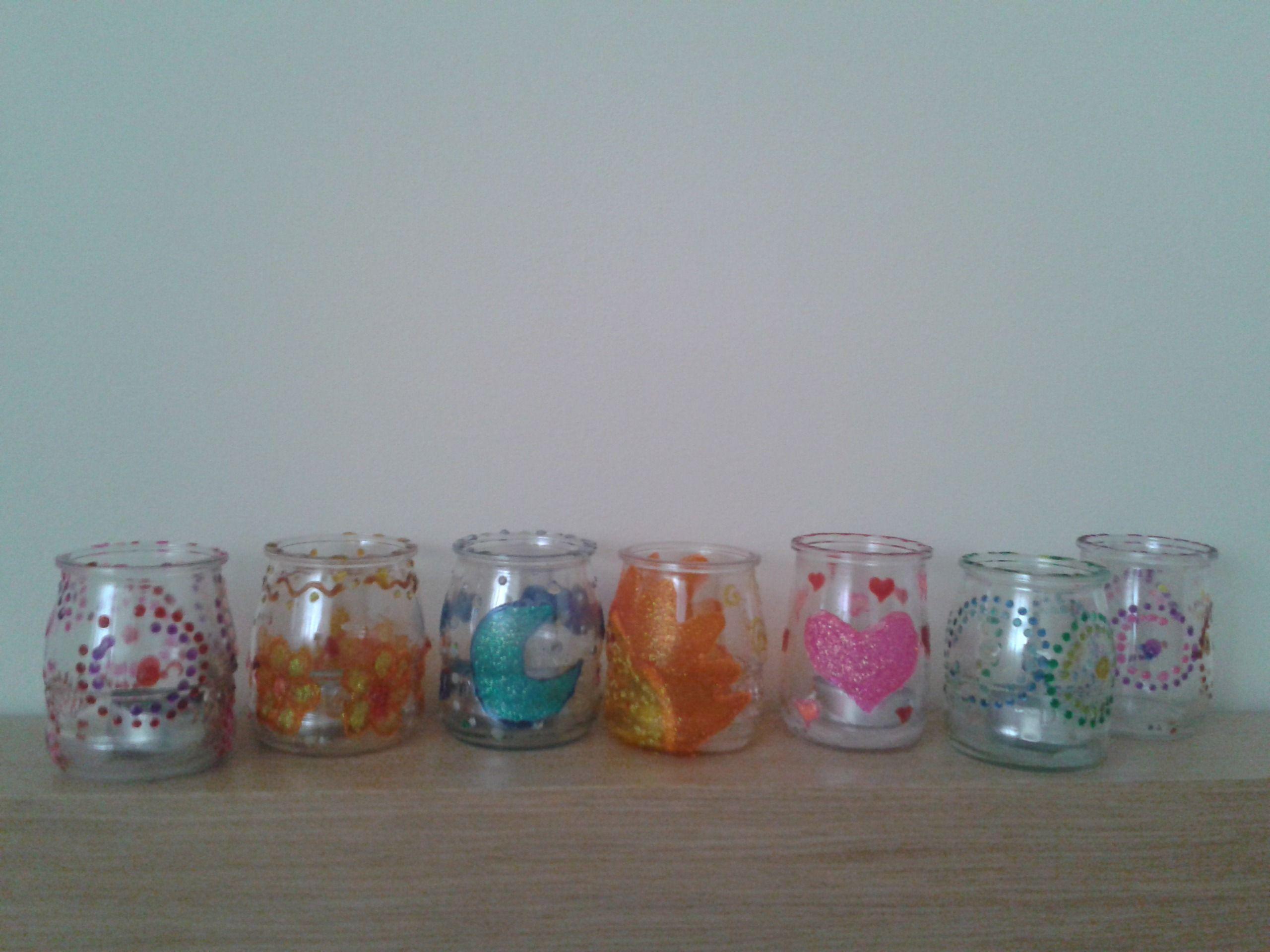 62f3a5d785e Porta velas con vasos de yogurt de cristal