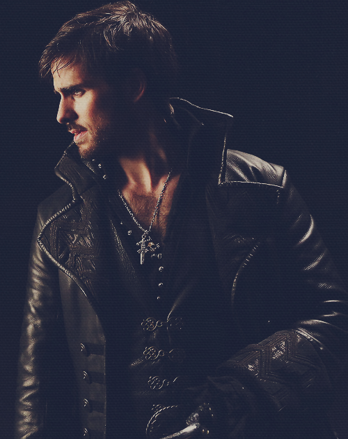 Colin O Donoghue Team Hook Omg Sorry Family In Joining The Dark Side It S Just Too Hot Nerd Serien