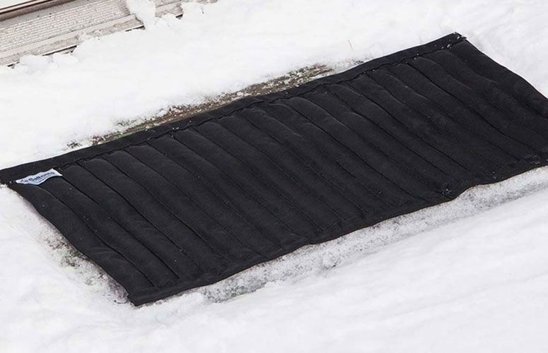 Best Saltnets Reusable Snow And Ice Melting Mats And Stair 400 x 300
