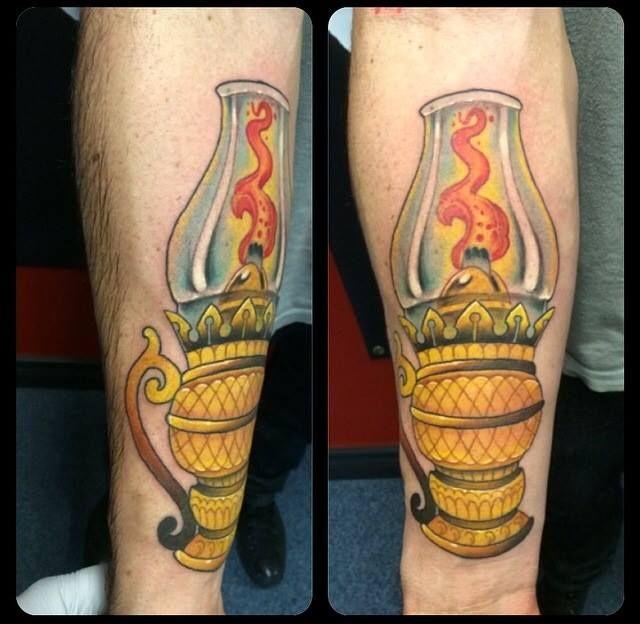Traditional Lantern Tattoo By Josh Ludlow At Rogue Tattoo In Medford Or Rogue Tattoo Lantern Tattoo Traditional Lanterns