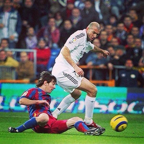 Lionel Messi and Zidane | Sport football, Messi vs, Football
