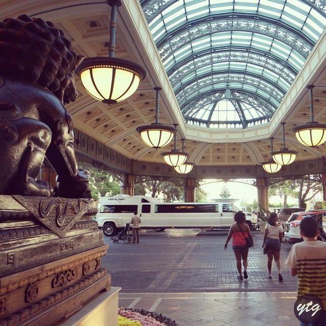 Hotel entrance ⭐️ 📍Bellagio Hotel Las Vegas https://youtu.be/kuf3ko6sZbg  #LasVegas #bellagio #hotel #casino #traveller #blogger #influencer #usa