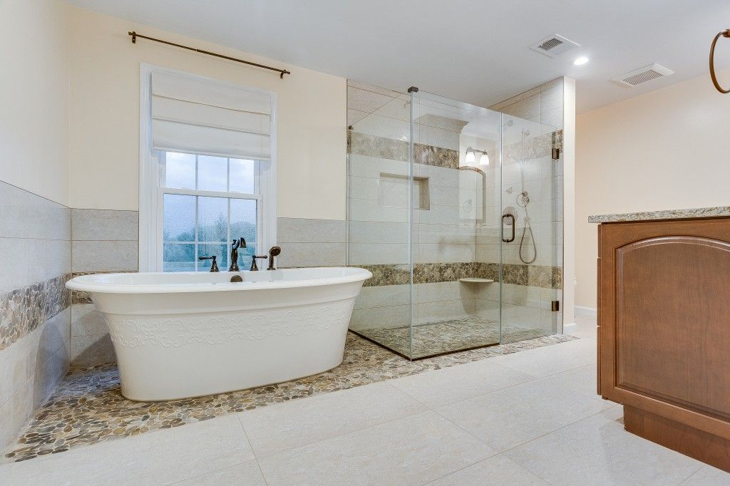 10 Important Design Tips to Make A Small Bathroom Better Small