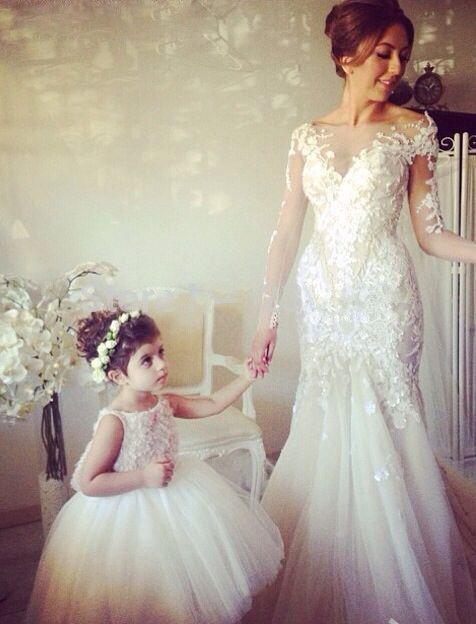 madre e hija vestidas igual fiesta - buscar con google | boda