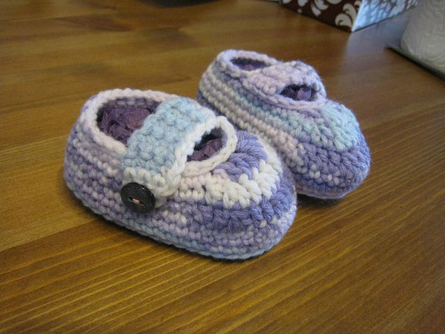 Ravelry: Simple baby booties pattern by Jessica Felton. Free pattern ...
