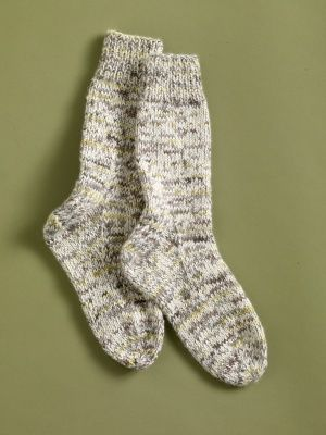 Free Knitting Pattern 90056ad Luscious Lounge Socks Lion Brand