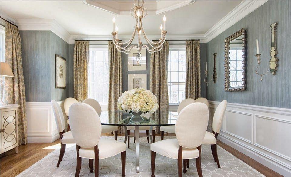 D cor magnifique pour une salle manger feng shui la grande table ronde en verre accueille for Quelle chaise pour table en verre