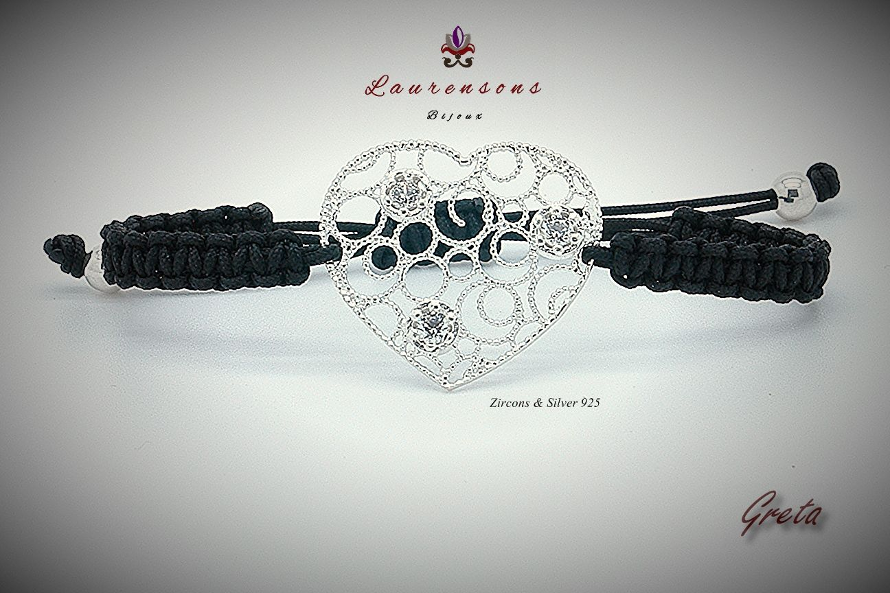 Greta//925 Sterling Silver bracelet with zircons and adjustable thread to the wrist. The central component is entirely realized by the best italian artisans.