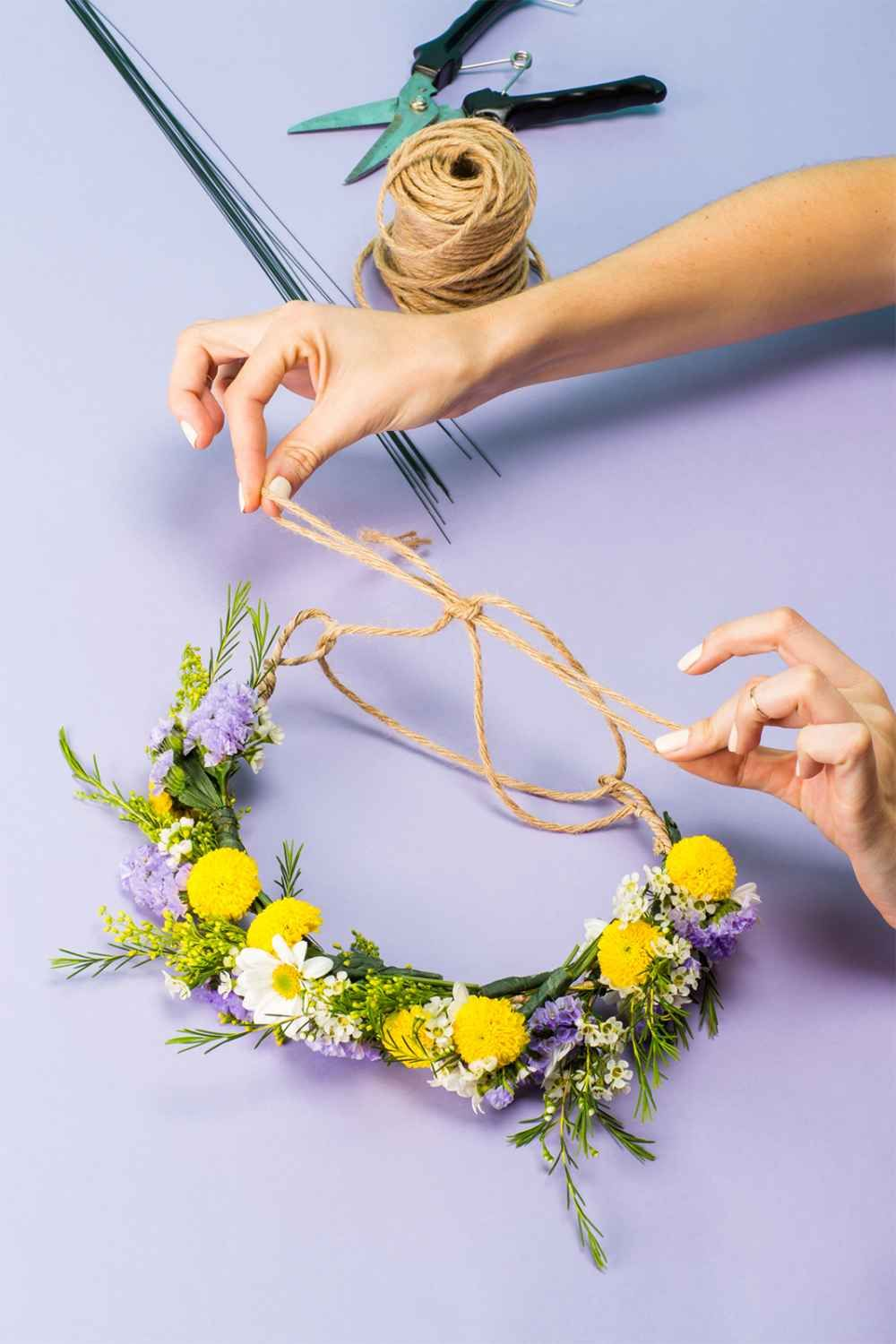 How to make a stunning flower crown in under 20 minutes pinterest how to make a flower crown izmirmasajfo
