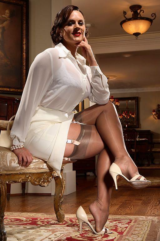 Женщина чулки зрелые фото секси