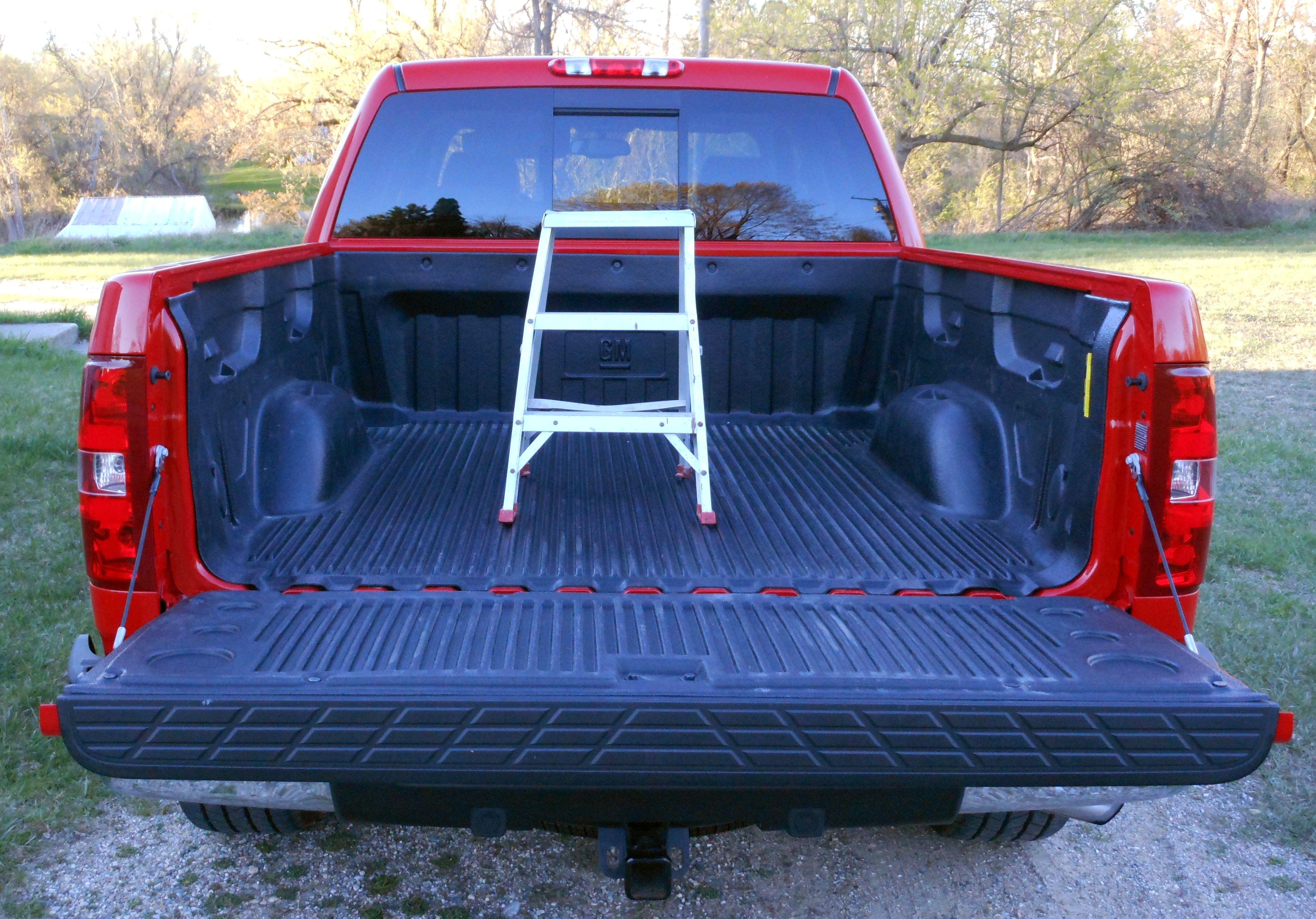 ChevroletSilverados20121304