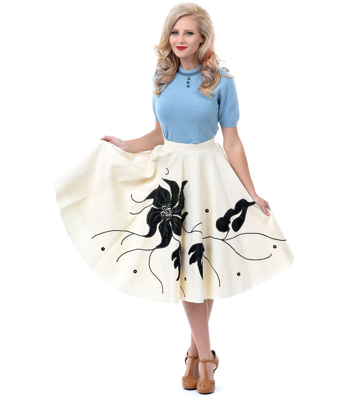 1950s Authentic Vintage Cream & Black Poinsettia Embroidered High Waist Swing Skirt #uniquevintage