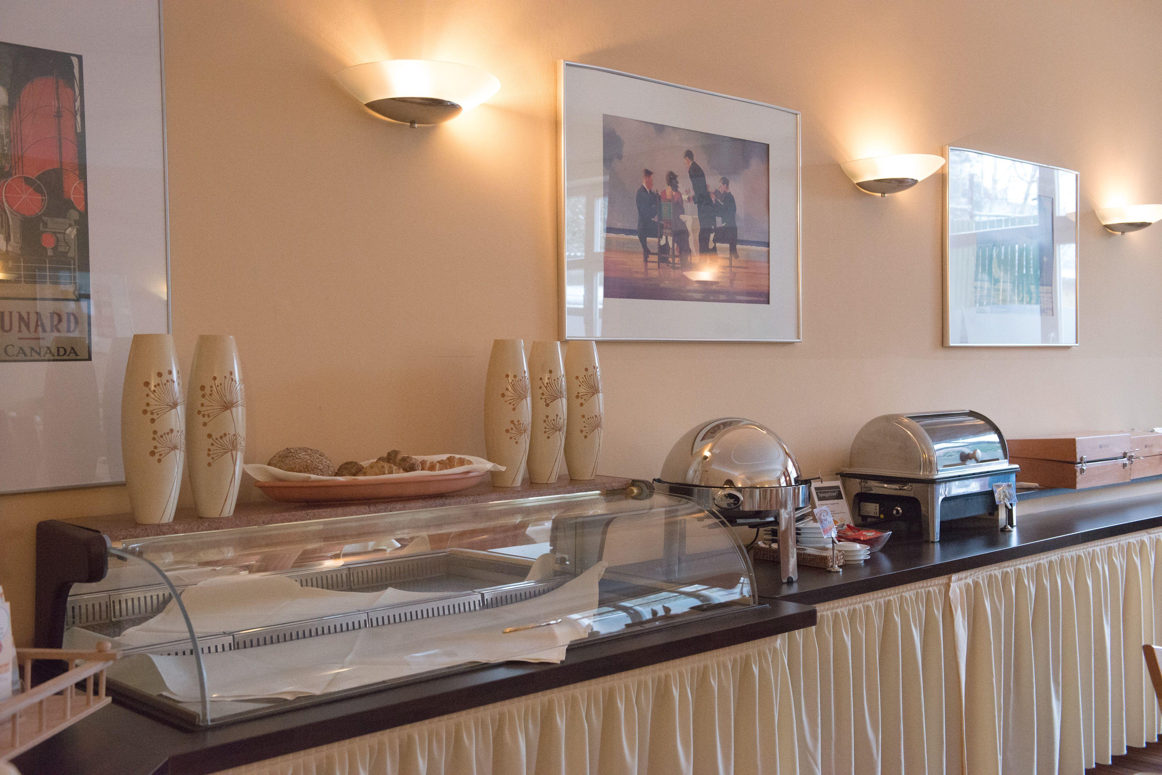 Breakfast buffet, Hotel Stadt Cuxhaven #hotel #Restaurant #Cuxhaven #breakfast
