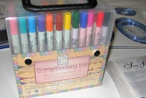 Approx 100 Pens This Box Of Zig 48 Scrapbooking Pens And A Whole
