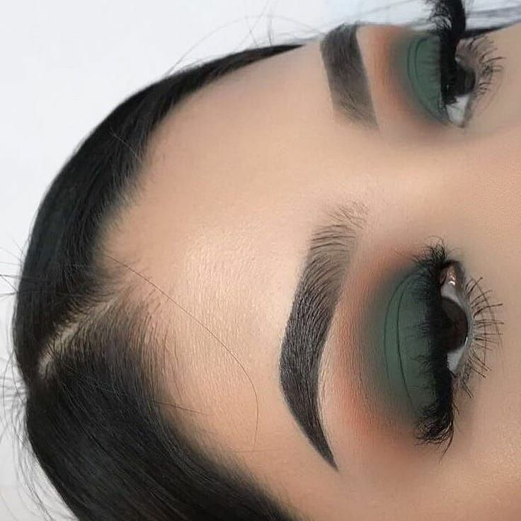 14 Ideas de maquillaje con sombras verde: desde oliva hasta esmeralda